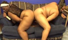 un par de obesas dandose placer mutuamente