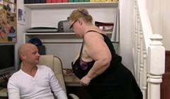 Mi secretaria quiere un aumento de sueldo