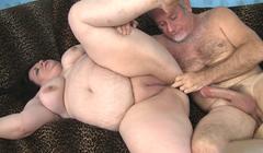 Obesa bien depilada para su novio