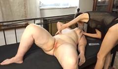 Gorda necesitada de sexo folla con su amiga