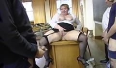 Maestra gorda follada por sus alumnos