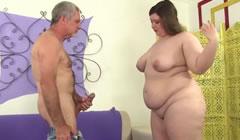 Jovencita obesa preparada para follar