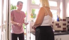 Visitando a la gorda de su vecina
