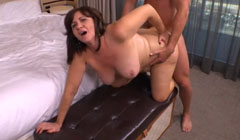 Primera vez haciendo porno para la vieja rellenita
