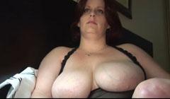 MILF obesa con tetas enormes follando