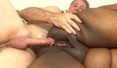 Follada al coño gigante de una negra muy obesa