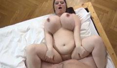 Casada gordita echando un polvazo con su amante